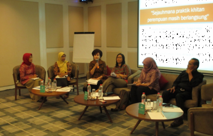 Gender activists and researchers call for stronger collaboration among all stakeholders, stronger policy and community interventions on FGM/C elimination for concrete progress.(left-right) Maria Ulfa Ansor, Kharirah Ali, Atashendartini Habsjah, Antarini P.